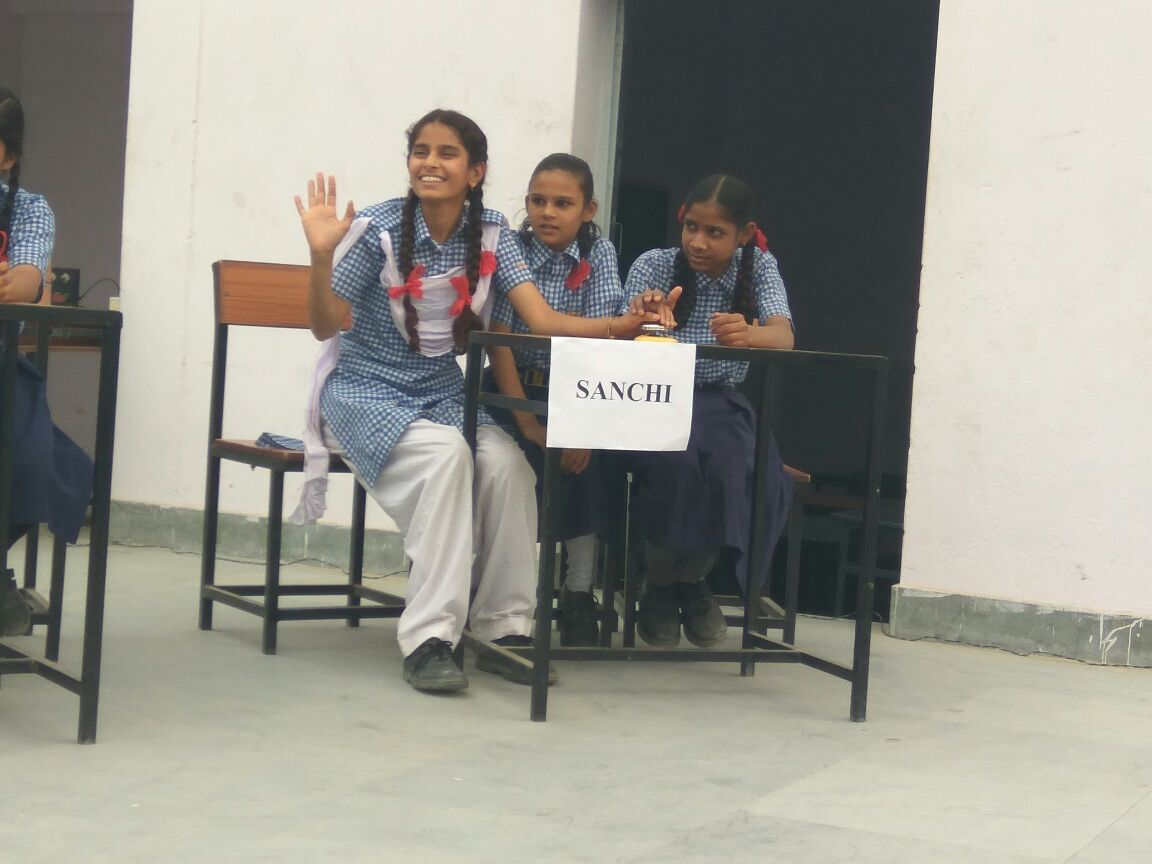 An Inter House Quiz Competition was held at Jagriti Gyan Vidhya Mandir School, Sanganer on 18.11.17.Team of three students from each house (Ujjain,  Sanchi, Takshila and Nalanda) participated in this inter house Quiz Competition. In furtherance to it, in future, we will have Inter School Quiz Competition amongst Jagriti Schools.