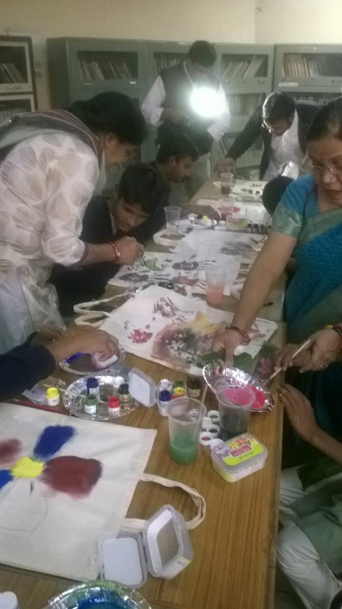 A Children's Creative Expression Workshop by UNISEFThe November 20, 2017 -  A Children's Creative Expression Workshop was organized by UNISEF wherein our 60 students from Jhalana have participated. It was initiated by our volunteer Ms Shradha Jain of Art Ghar and was at Adult Education Center, Jhalana.